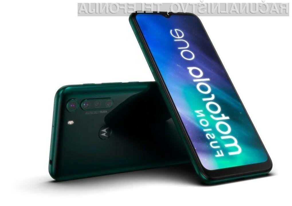 Pametni mobilni telefon Motorola One Fusion za malo denarja ponuja veliko!