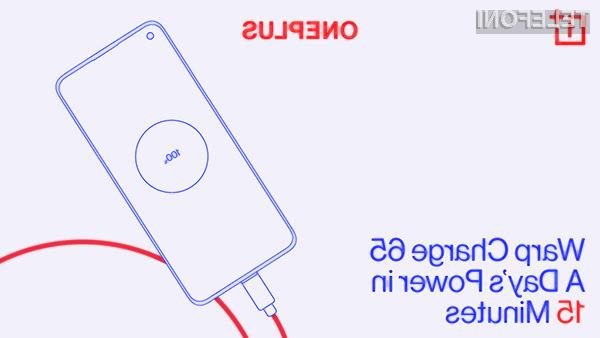 S polnilnikom Warp Charge 65 bomo lahko povsem izpraznjen pametni mobilni telefon OnePlus 8T napolnili v zgolj 39 minutah.